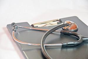 バインダーと聴診器