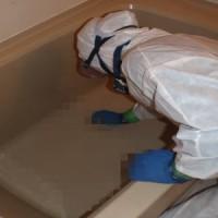 風呂を特殊清掃する事件現場特殊清掃士