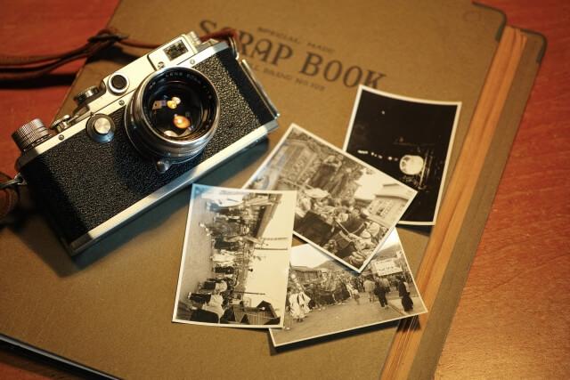 古いカメラとアルバム