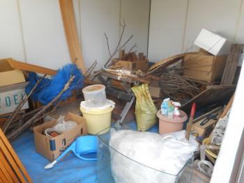 遺品整理前の倉庫の様子