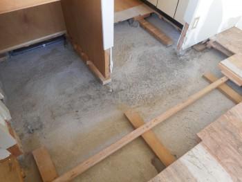 特殊清掃を施した床下の様子